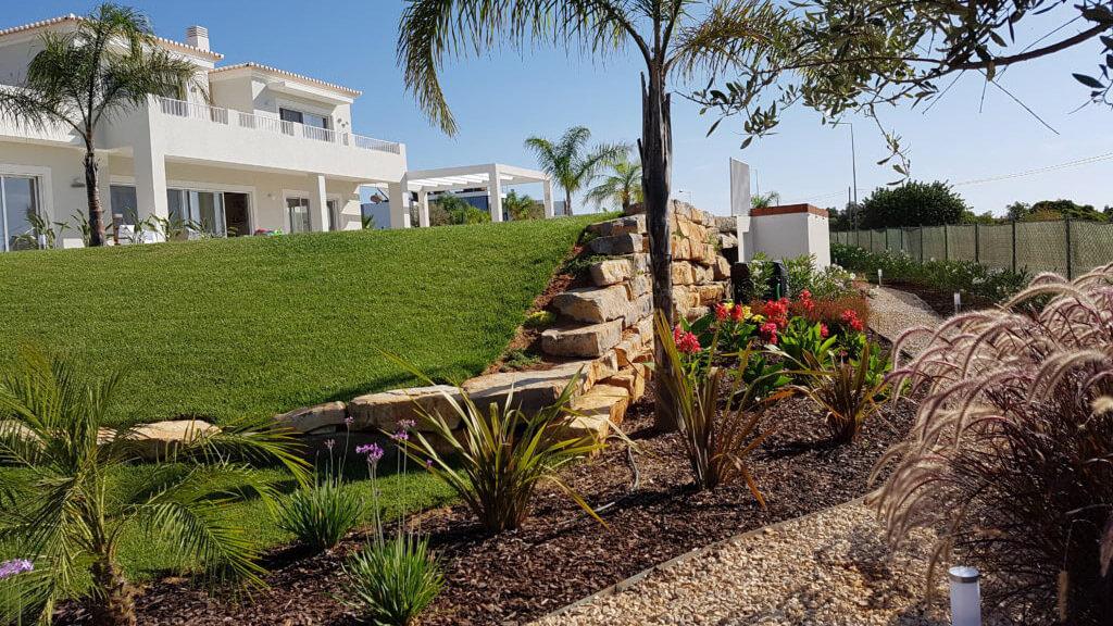 https://www.vitalgardens.com/wp-content/uploads/2020/03/Boa-nova-luxuriant-Garden-12.jpg