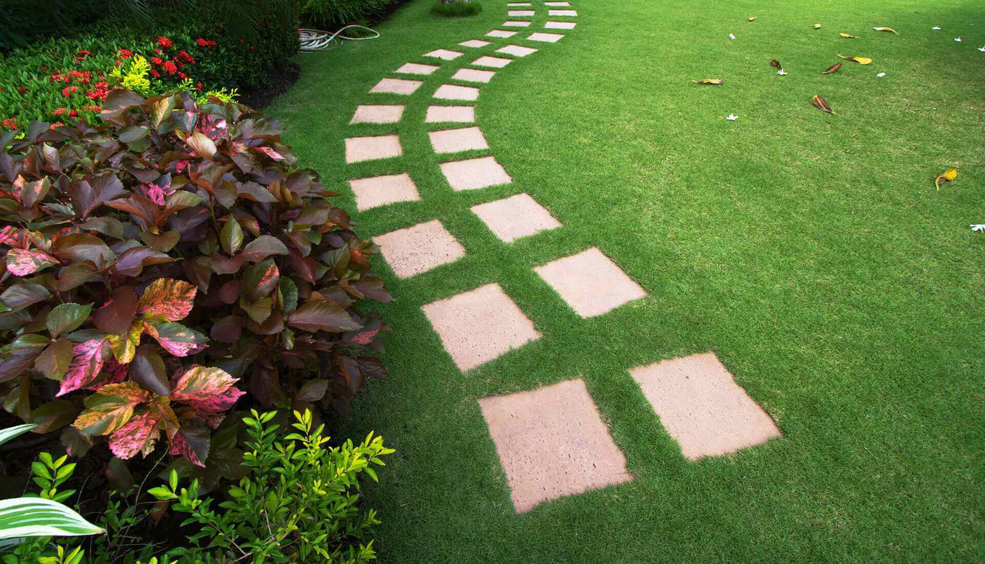https://www.vitalgardens.com/wp-content/uploads/2020/04/Artificial-lawns.jpg