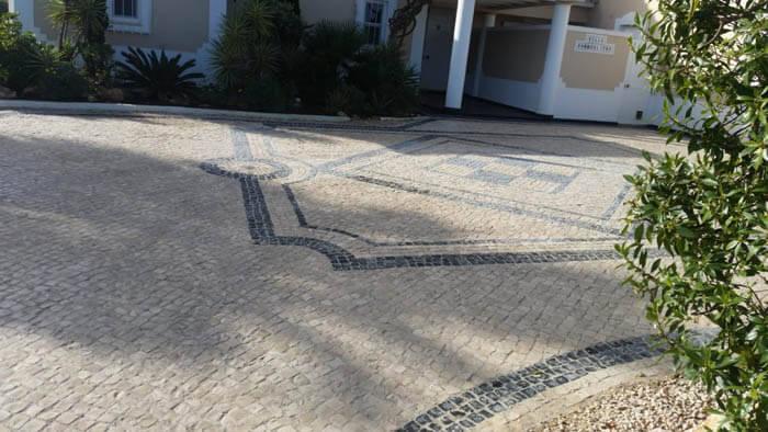 https://www.vitalgardens.com/wp-content/uploads/2020/04/Calçada-with-symbols-for-a-showcase-property.jpg